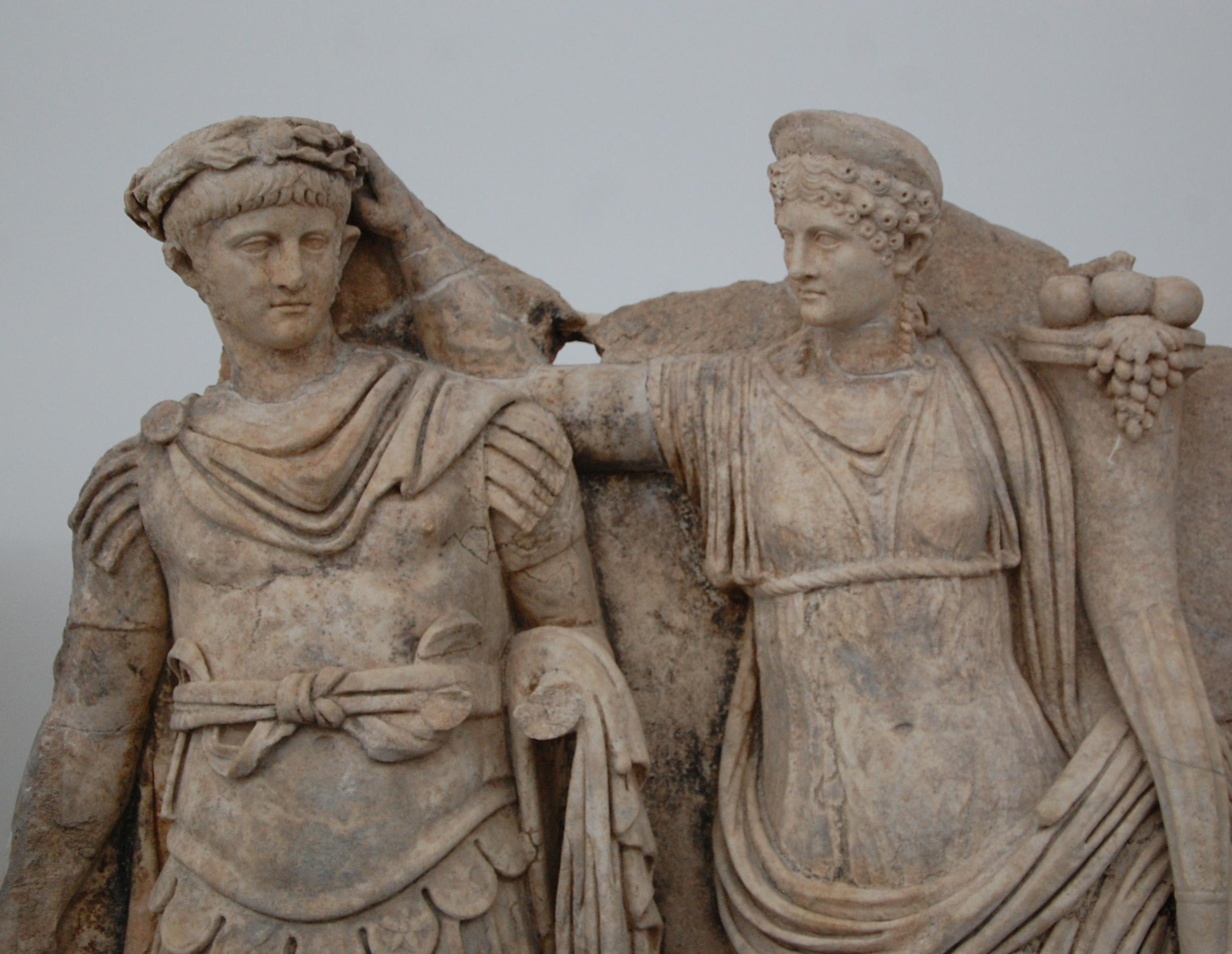 Agrippina korunuje Nerona